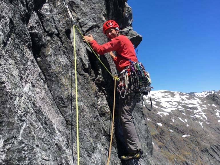 Climbing Pipe Dreams, Alpine rock climbing New Zealand