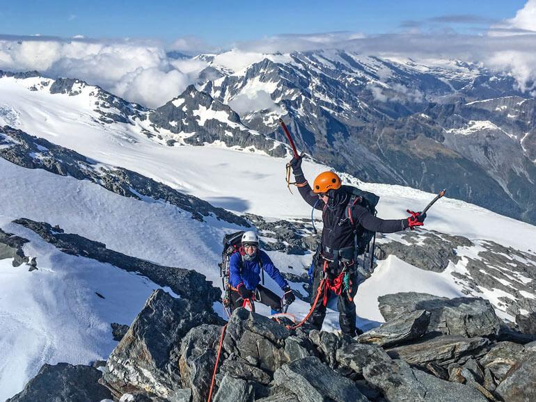 Climbing NW ridge Mt Aspiring