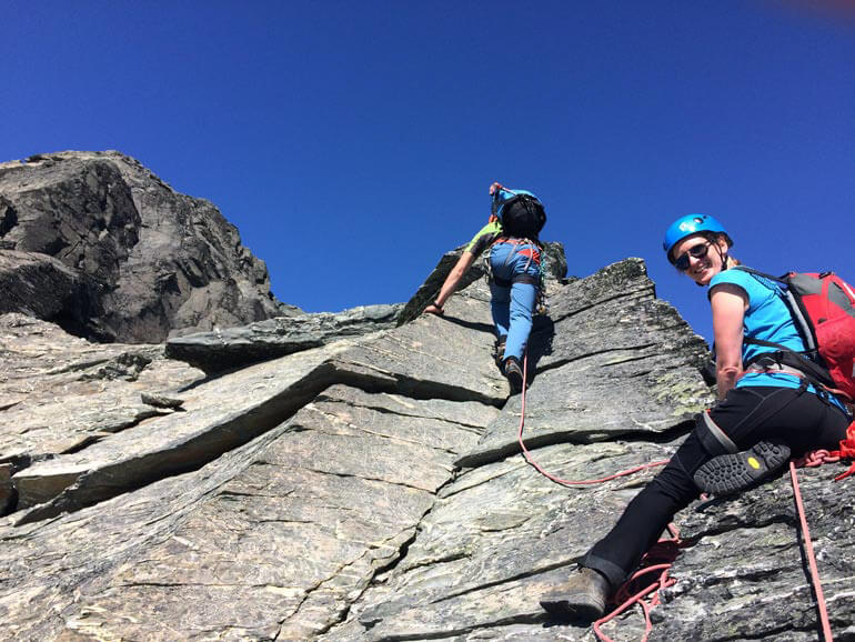 Climbing the NE ridge of single cone in summer conditions
